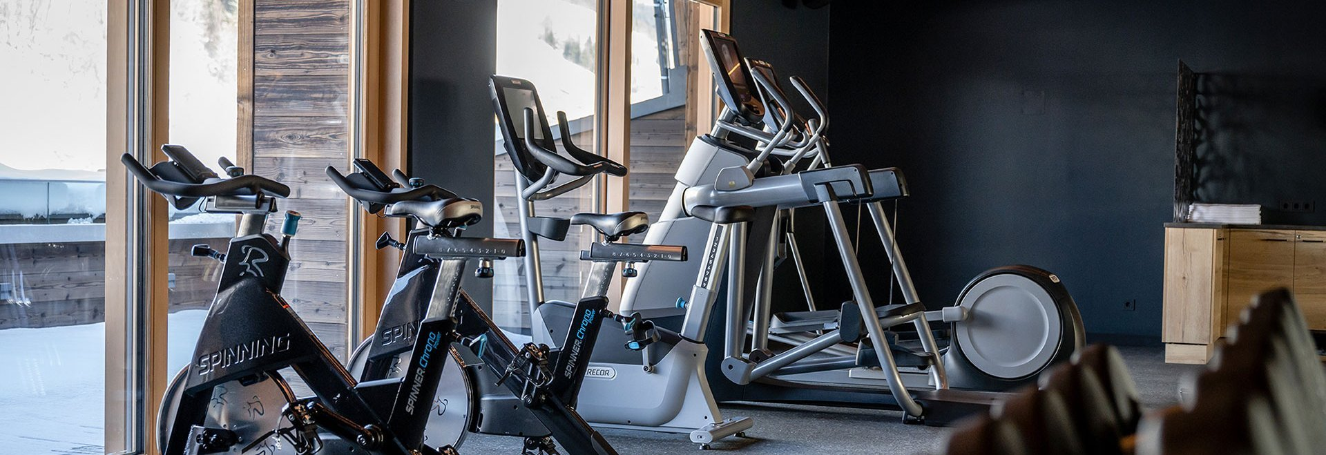 Cardio machines in the fitness lounge