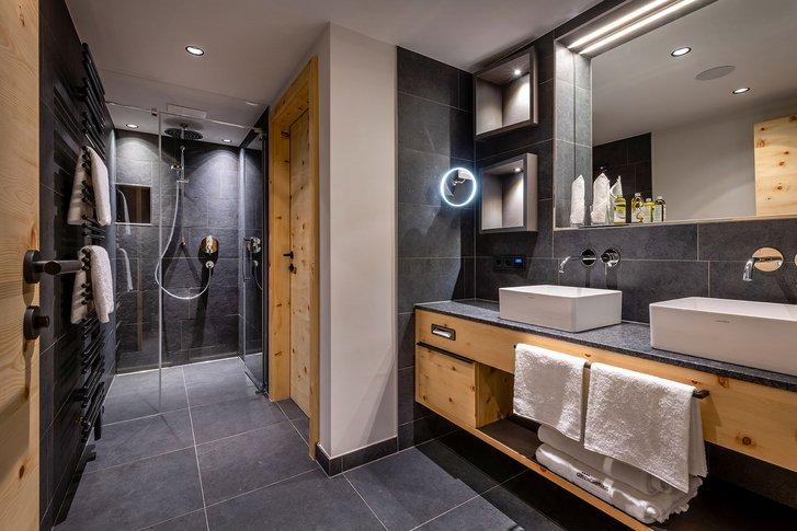 Stone pine suite Wohlfühlzeit bath