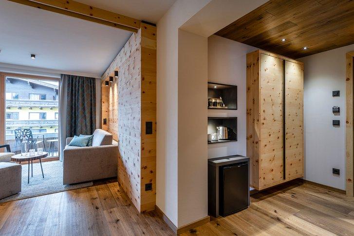 Stone pine suite Wohlfühlzeit interior view