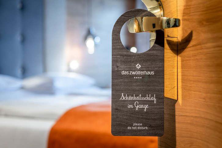Double room Naturzeit door sign