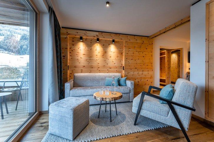 Stone pine suite Wohlfühlzeit seating corner