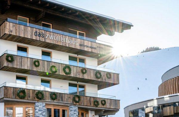 Das Zwölferhaus Außenansicht Winter