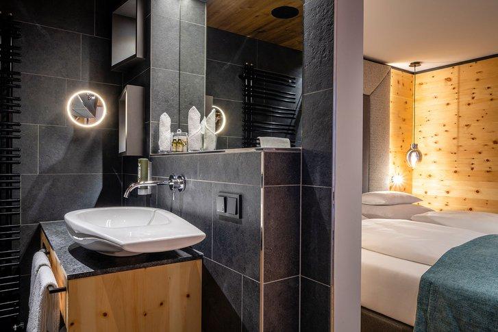 Stone pine suite Bergzeit bath