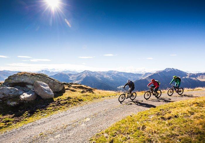 Mountainbiker unterwegs in Saalbach Hinterglemm